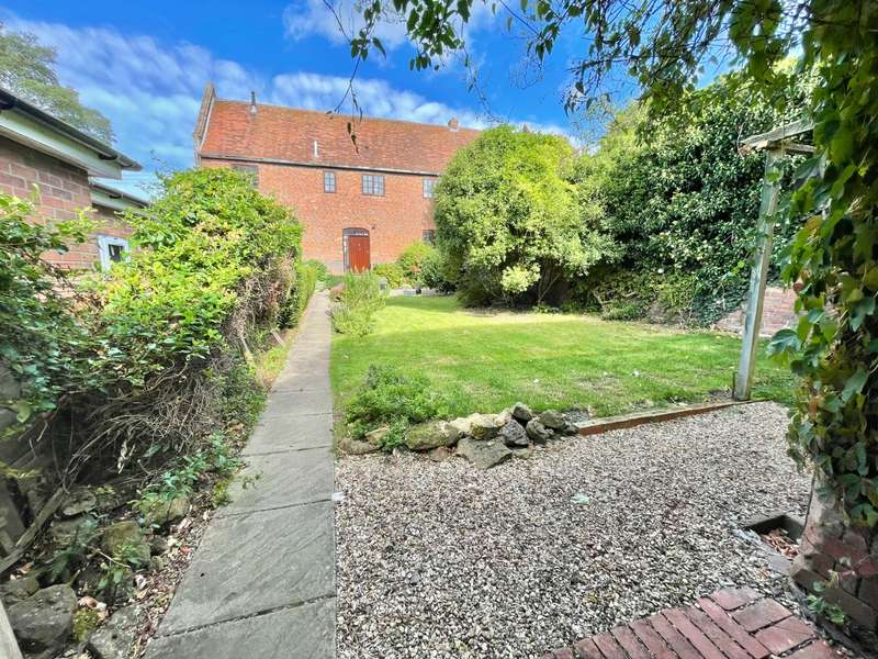 4 Bedrooms Barn Conversion Character Property for sale in Main Street, Grimston, Melton Mowbray, LE14 3BZ