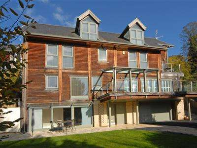 5 Bedrooms Detached House for sale in Goldwater Springs, Nailsworth, Stroud
