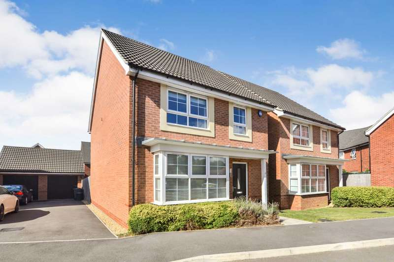 4 Bedrooms Detached House for sale in Bircher Way, Hucclecote, Gloucestershire