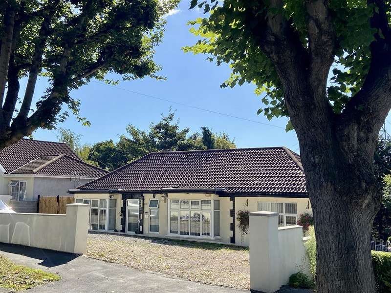 4 Bedrooms Detached House for sale in First Avenue, St. Annes, Bristol