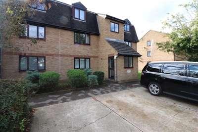 1 Bedroom Flat for rent in Bishops Court, Blandford Close