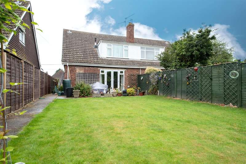 3 Bedrooms Semi Detached House for sale in Avalon, Basingstoke Road, Three Mile Cross, Reading
