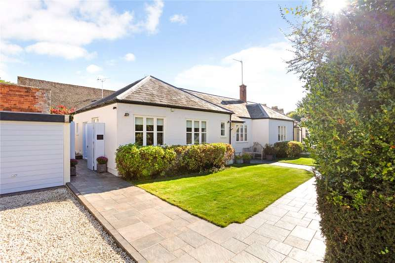 2 Bedrooms Semi Detached Bungalow for sale in Querns Lane, Cirencester, Gloucestershire, GL7
