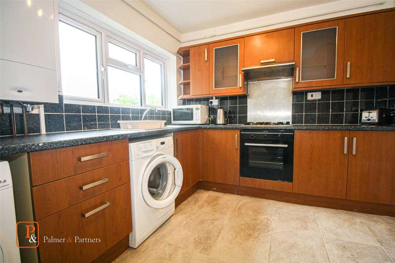3 Bedrooms Flat for rent in Mimosa House, Acacia Avenue, Colchester, Essex, CO4