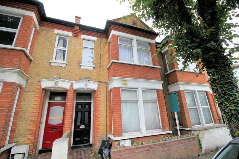2 Bedrooms Flat for sale in Princes Street, Southend on Sea, Essex, SS1 1PT