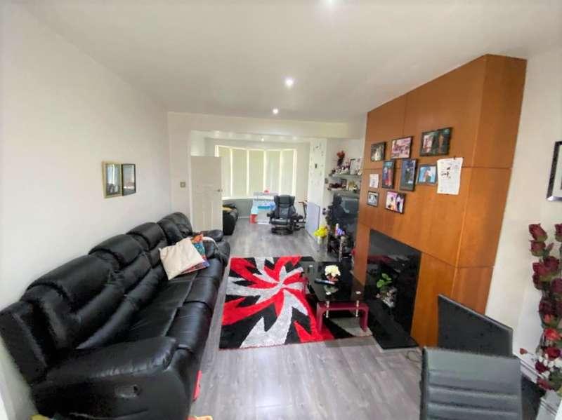 3 Bedrooms House for rent in Harlow Road, Rainham, RM13