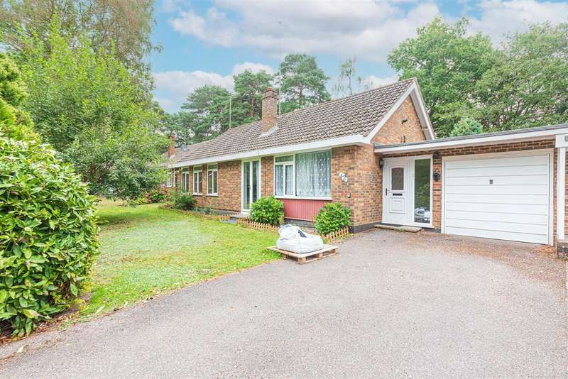 3 Bedrooms Bungalow for sale in Parkway, Edgcumbe Park, Crowthorne