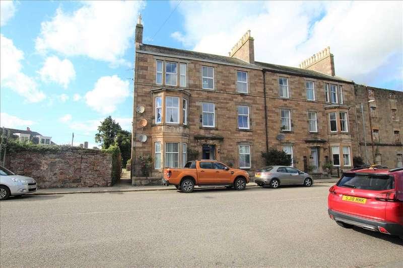 3 Bedrooms Flat for sale in Lochend Street, Campbeltown