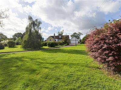 5 Bedrooms Detached House for sale in Etloe, Blakeney