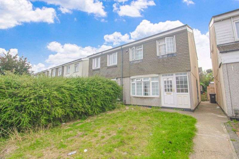 3 Bedrooms Property for sale in Hockwell Ring, Luton