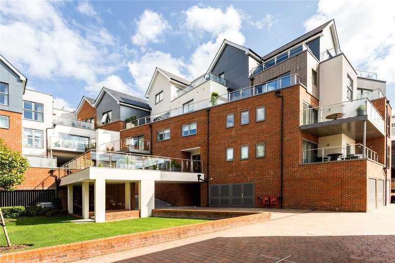 3 Bedrooms Apartment Flat for sale in Bridgewater Lodge, Bridgewater Terrace, Windsor, Berkshire, SL4