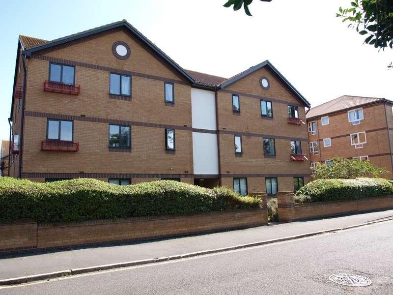 2 Bedrooms Ground Flat for rent in 1 Heybridge Court, Clacton CO15 6JE
