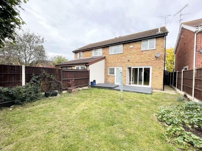 3 Bedrooms Property for rent in Torrington, Shoeburyness SS3