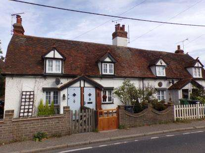 2 Bedrooms Terraced House for sale in Burnham-On-Crouch, .