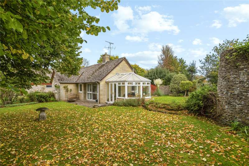 3 Bedrooms Detached Bungalow for sale in Ampney St. Mary, Cirencester, Gloucestershire, GL7