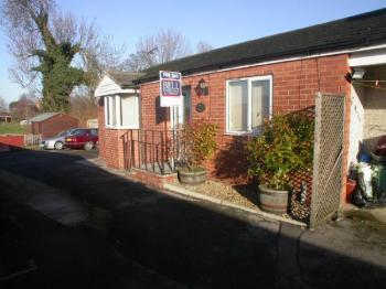 2 Bedrooms Semi Detached Bungalow for sale in Riverside Lodge, High Street, Coningsby