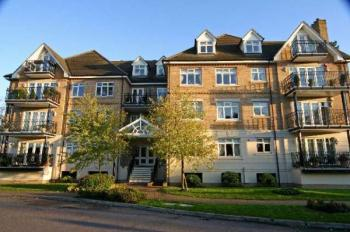 2 Bedrooms Property for sale in High Road, BUSHEY