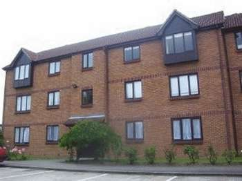 1 Bedroom Flat for sale in Spring Close, Dagenham