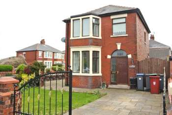3 Bedrooms Detached House for sale in Pedders Lane, Blackpool, FY4 3HY