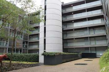 2 Bedrooms Flat for sale in Ellesmere Street, Manchester