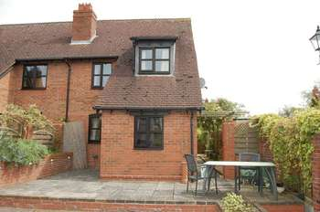 3 Bedrooms Cottage House for sale in Bridgeman Court, Weston-under-Lizard, Shifnal