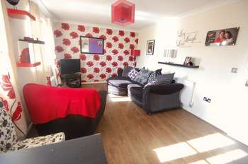 2 Bedrooms Flat for sale in Longleat Walk, Ingleby Barwick, Stockton-On-Tees