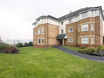 2 Bedrooms Ground Flat for sale in Helmsdale Close, WestCraigs, Lanarkshire, G72 0FW