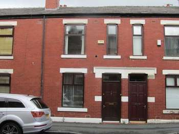 3 Bedrooms Terraced House for sale in Exeter Street, Deeplish, Rochdale OL11 1JN