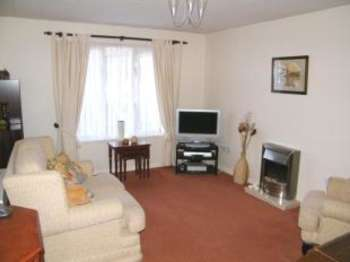 1 Bedroom Flat for sale in Chapel Lane, Wimborne, Dorset
