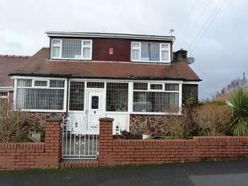 3 Bedrooms Semi Detached Bungalow for sale in Keswick Avenue, Chadderton