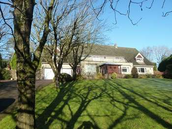 5 Bedrooms Detached House for sale in Catbrook, Monmouthshire, NP16
