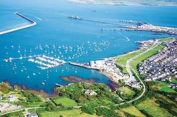 3 Bedrooms Flat for sale in Holyhead Marina, Anglesey