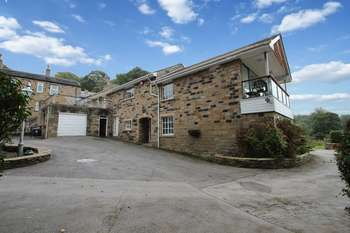 3 Bedrooms Semi Detached House for sale in Penistone Road, Kirkburton, nr Huddersfield