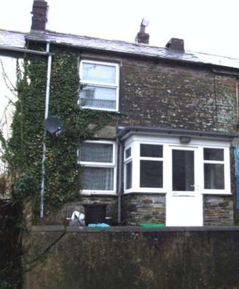 2 Bedrooms Terraced House for sale in Victoria Road, Camelford