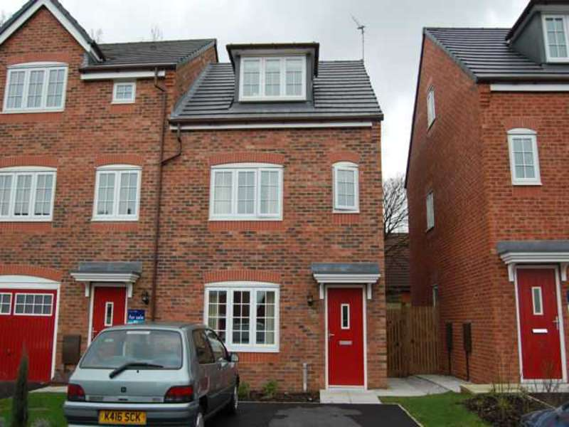 3 Bedrooms Terraced House for sale in George Street, Rochdale, Lancs, OL16 1DR