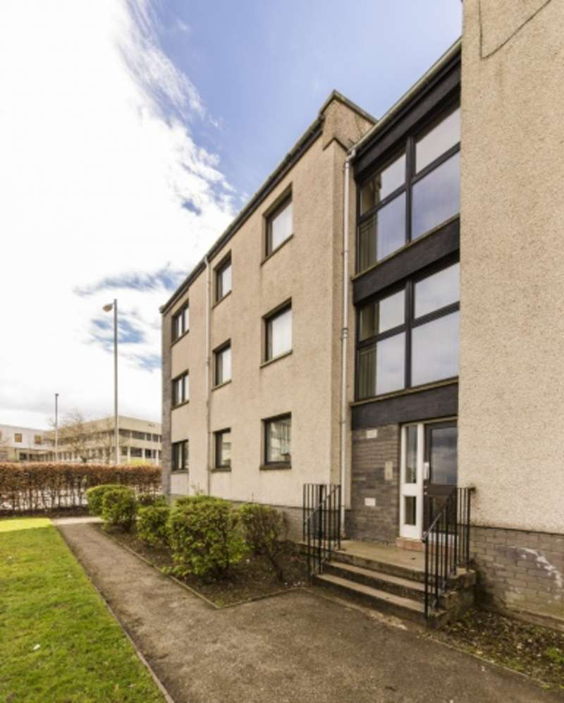 2 Bedrooms Flat for sale in Nigg Kirk Road, Nigg, Aberdeen, AB12 3DF