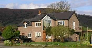 5 Bedrooms Detached House for sale in Llanvihangel Crucorney, Abergavenny