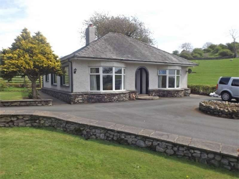 2 Bedrooms Detached Bungalow for sale in The Hill, Millom, Cumbria