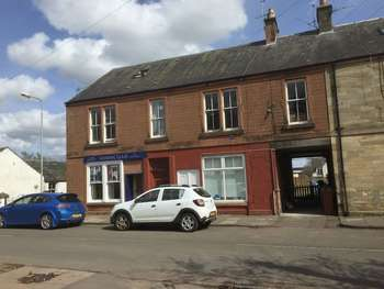 2 Bedrooms Flat for sale in 9b Station Road, Biggar