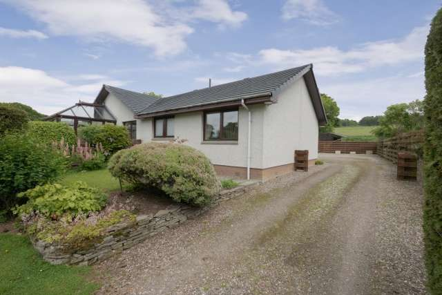4 Bedrooms Cottage House for sale in Pitscandly, Forfar, Angus, DD8 3NZ