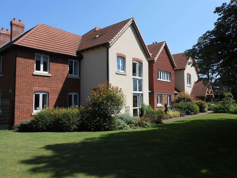 2 Bedrooms Flat for sale in Charter Court, Retford. DN22 7ZA