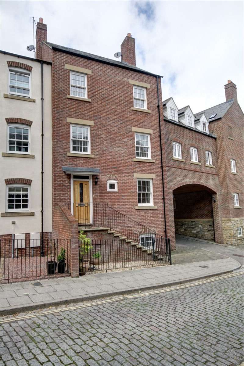 4 Bedrooms Terraced House for sale in South Street, Durham City, DH1