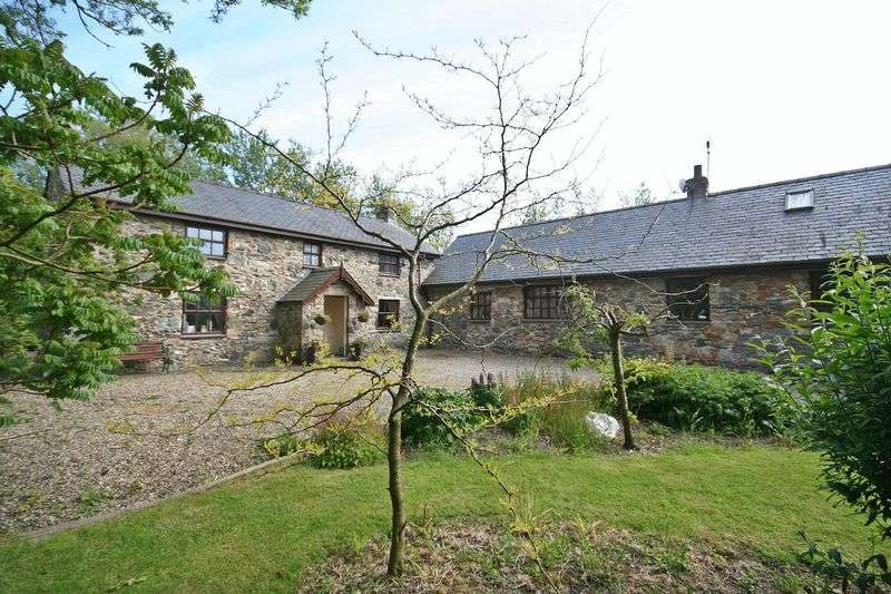 4 Bedrooms Detached House for sale in Newborough, Anglesey