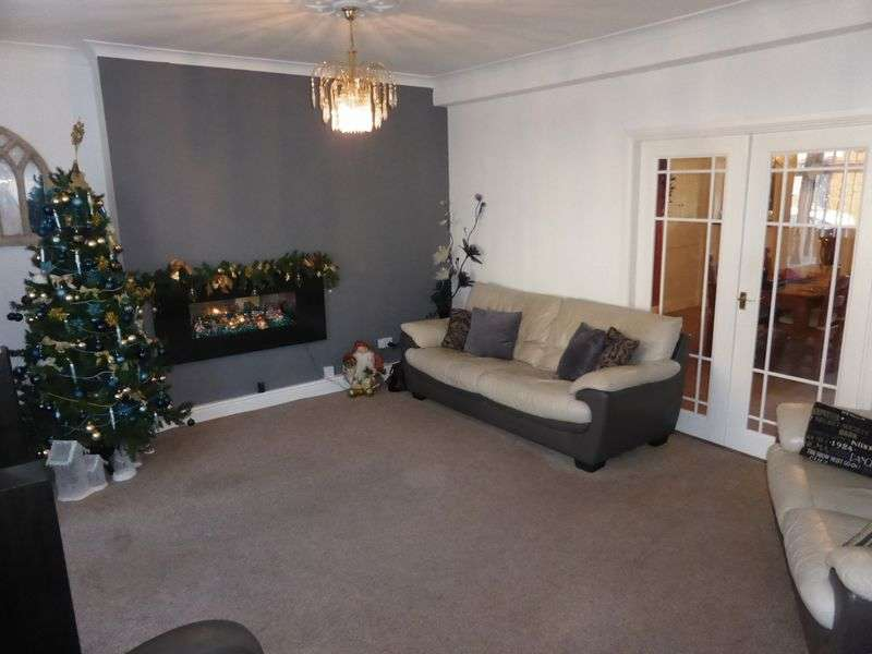 4 Bedrooms Detached House for sale in School Avenue, Durham