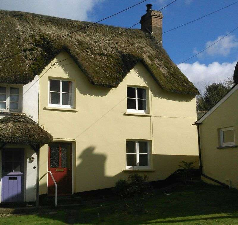 3 Bedrooms House for sale in The Square, Okehampton, Devon
