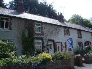3 Bedrooms Terraced House for sale in The Dingle, Colwyn Bay, Conwy, LL29