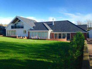 4 Bedrooms Detached House for sale in Lon Towyn Capel, Trearddur Bay, Sir Ynys Mon, LL65