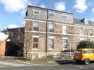 2 Bedrooms Flat for sale in Belle Grove West, Newcastle upon Tyne, Tyne and Wear, NE2