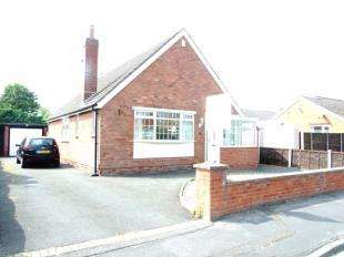 2 Bedrooms Bungalow for sale in Sedgley Avenue, Freckleton, Preston, Lancashire, PR4