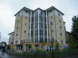 2 Bedrooms Flat for sale in Queen Square, Station Road, Morecambe, Lancashire, LA4